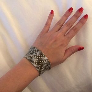 Jewelry - Silver beaded vintage bracelet two size settings